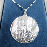 Queen Elizabeth II Royal Silver Jubilee Eyewitness Sterling Pendant (Franklin Mint, 1977)