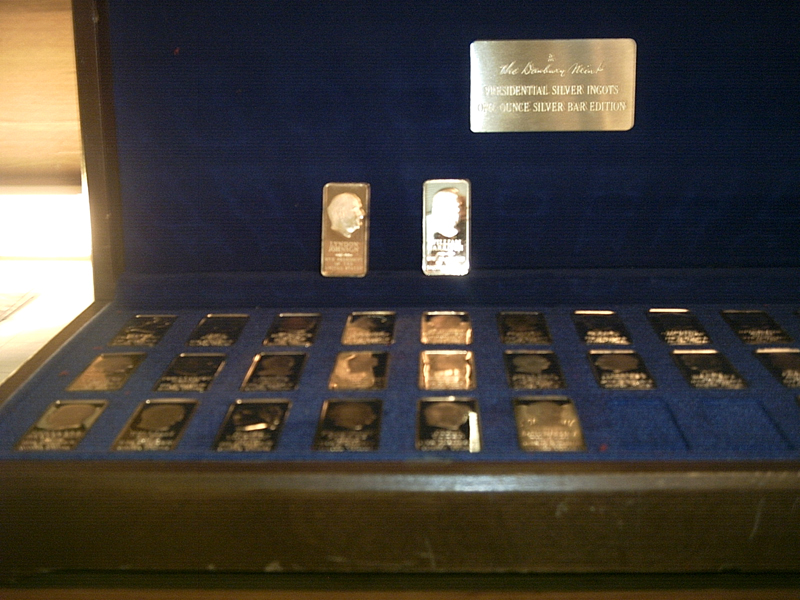 Presidential Silver Ingots Collection, One Ounce Silver Bar edition  (Danbury Mint, 1975)